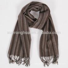 bufanda hecha a mano de lana a rayas