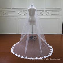 Eine Schicht schöne Hochzeitsschleier