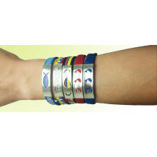 Fashion and Promotional Multi Colored Woven Bracelets with Durable and Comfortable