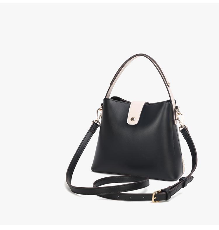 Bucket Bag With Handle 02