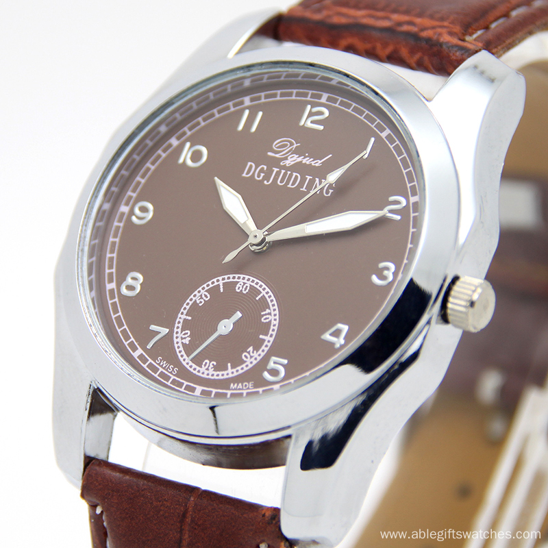Luxury Leather Quartz Watch for Men