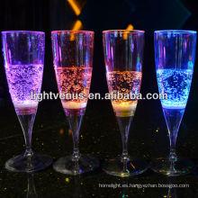 Fábrica venta activo romántico líquido LED iluminada cristal