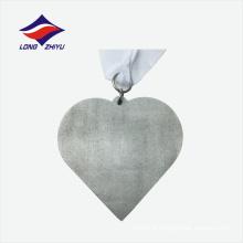 Cor castanha de prata acredita em si mesmo medalha de preço agradável