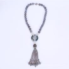 Collar de perlas étnicas muy chunky con borla