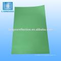 brillo reflectante en la cinta adhesiva oscura