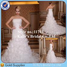 2014 newest arrival ivory boat neckline handmade flower petal long trian bridal dress