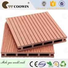 Placas de deck de madeira