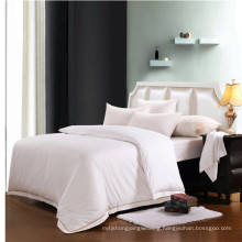 China Supply Comfortable Embroidery Bed Linen (WS-2016318)