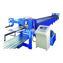 Machine de formage de rouleaux de plancher en métal