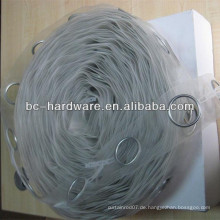 Transparentes Vorhangband, unterschiedliches Vorhangband, verschiedene Farben des Vorhangbandes