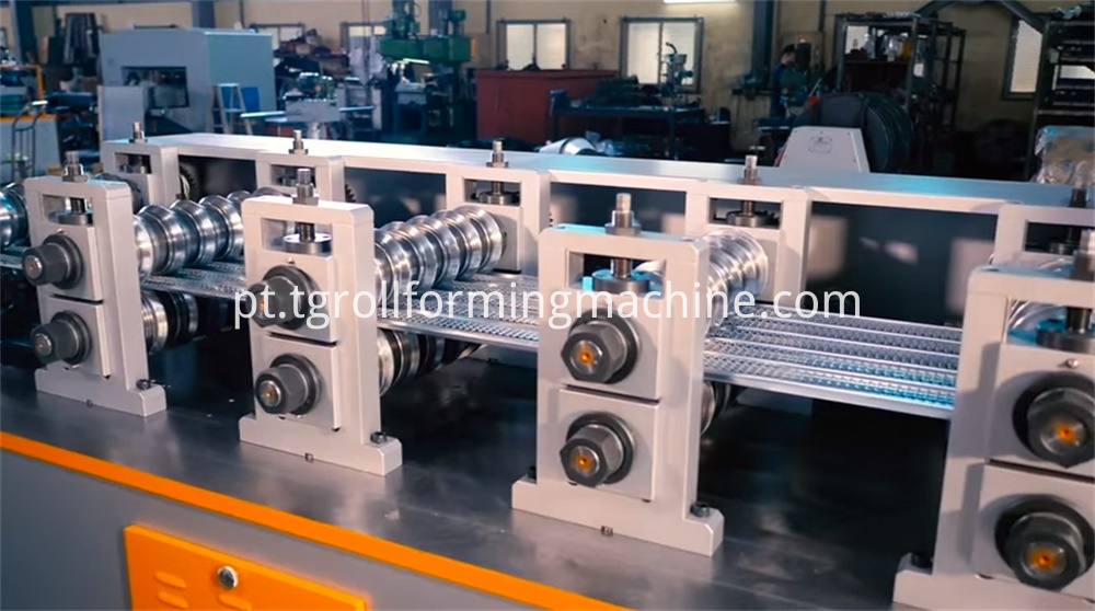 High Speed Expanded Mesh Machine