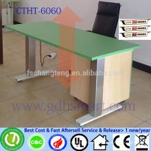 kangaroo pro junior adjustable height desk made of 2 big aluminum legs
