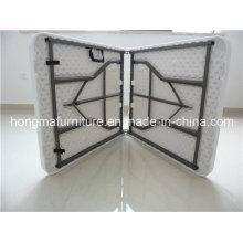 Mesa plástica dobrável para móveis de exterior de 6 pés para uso do casamento no preço de fábrica