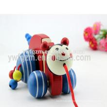 ziehen Sie Action-Spielzeugauto zurück ziehen Sie Automechanismus