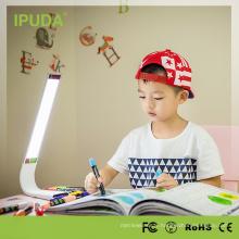 2018 meilleure lampe de table d'étude de conception avec la luminosité dimmable de capteur tactile pour des étudiants