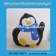 Sostenedor de la servilleta del pingüino de la decoración de la cerámica para el restaurante