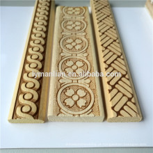 Molde de madeira branco da guarnição moldando de madeira gravada decorativa de madeira