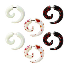 Patrón de logotipo de salpicadura de sangre acrílico UV Fake Piercing espiral de oreja