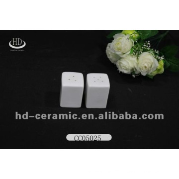 square porcelain salt pepper shaker,mini eco-friendly feature salt and pepper shaker,personalized salt and pepper shaker