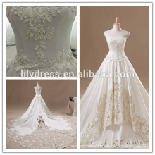 Lace Appliqued Satin Floor Length Custom Made Long Wedding Dressing Robe De Mariee HS238 robes de mariée avec de longs trains