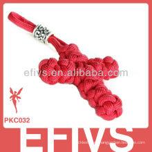 La cruz roja formó el puño del mono del paracord llavero personalizado