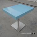 tables à manger publiques populaires bleues