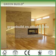 Mehrschichtiger Holzfußboden aus Naturholz