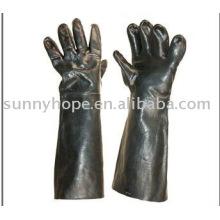 Перчатки из неопрена для работников химической промышленности