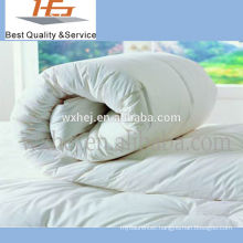 100% pilyester 90gsm microfiber square quilts