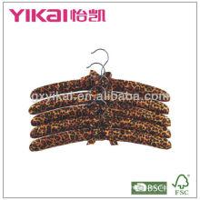 Baumwollgepolsterte Stoffaufhänger