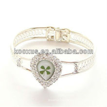 Heart shaped 4 leaf clover bracelet/bangle