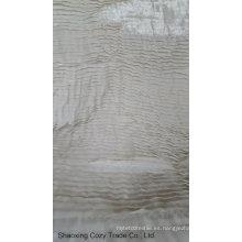 Cortar la tela de bordado de la correa