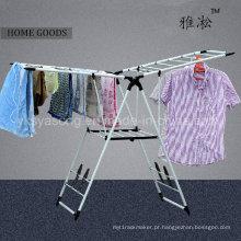 Roupas de cabides de aerofólio cavalo / lavanderia