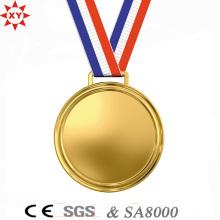 Medalla de metal dorado en blanco personalizado con cinta de nylon