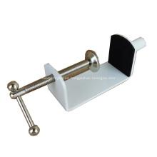 Abrazadera de mesa de metal revestida de polvo de alta calidad para muebles para pantalla de escritorio de acrílico