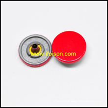 Encaixe o botão com a cor de esmalte vermelho