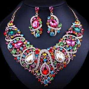 Conjunto de colar nupcial de cristal exclusivo de moda