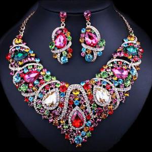 Fashion Unique Crystal Bridal Necklace Set