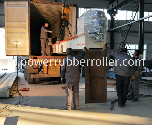 Cylindrical Rubber Roller Building Machine
