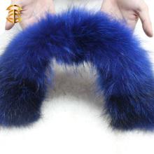 La manera teñió el collar genuino colorido de la piel del mapache para la ropa y la ropa