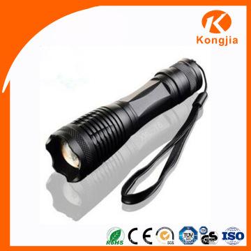 Grande luminosité à haute luminosité à LED Flashable Zoomable Long Beam Torch