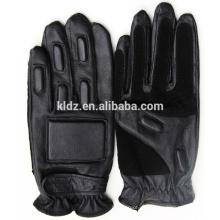 Taktische Handschuhe für militärische Ausrüstung