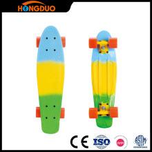Vente en gros de planche à roulettes PU skateboard planche de surf de nickel planche à roulettes