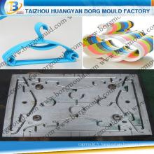 Huangyan professionnel en plastique fabricant de moule Injection cintre