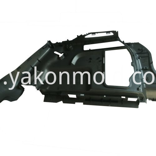 Vehicle plastic injection mold