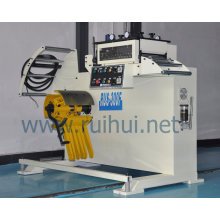 La máquina de desenrollado asegura el alto nivel de planitud del material