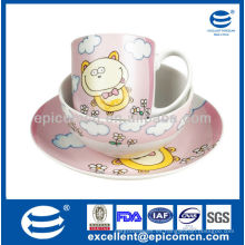 Venta al por mayor de la fábrica 3pcs cena de cerámica de la porcelana fijada para los niños con la decoración de la historieta
