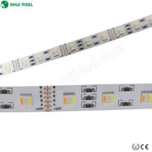 A largura RGBWWW 5 de 12mm em uma microplaqueta do diodo emissor de luz dc12v 24v conduziu tiras flexíveis