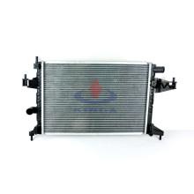 Venda quente de radiador automotivo para Opel Cambo / Corsa C`00 Mt