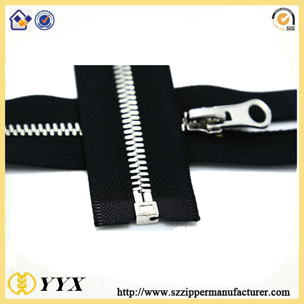 silver metal zipper